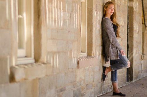 Dámsky šatník doplňte a oživte staré oblečenie nožnicami aj žehličkou