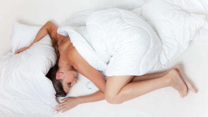 Keď počítanie ovečiek nezaberá aneb ako vyzrieť na nespavosť ...
