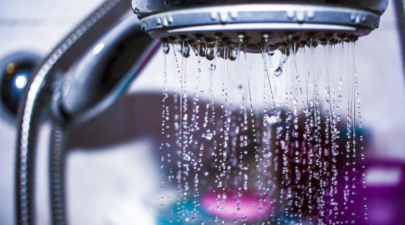 Mýty o sprchovanie. Neverte všetkému, čo vám o sprchovanie hovoria známi