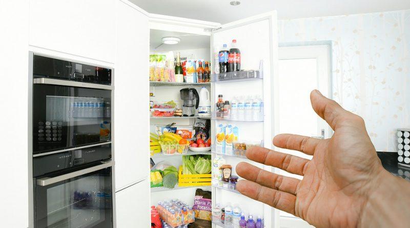 Potraviny v chladničke. Kam všetky uložiť tak, aby vydržali čo najdlhšie?
