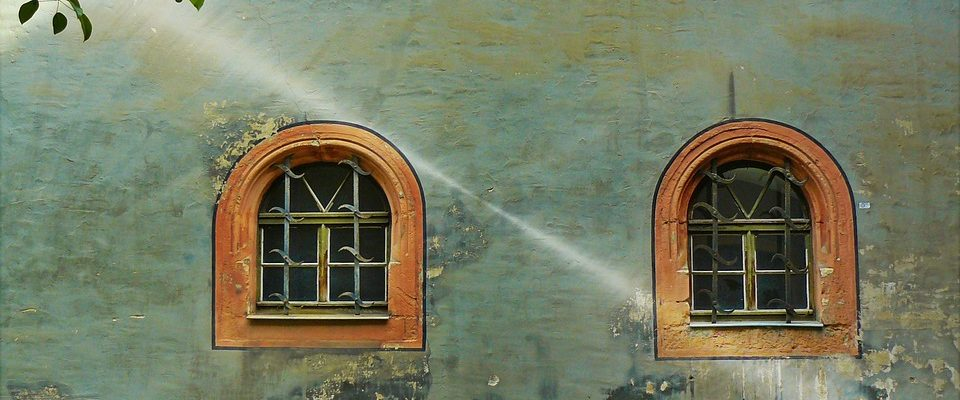 Na čo si dať pozor pri natieraní fasády