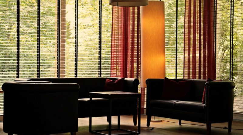 Chráňte sa pred Slnkom za pomoci elegantných riešenie pre vaše okná